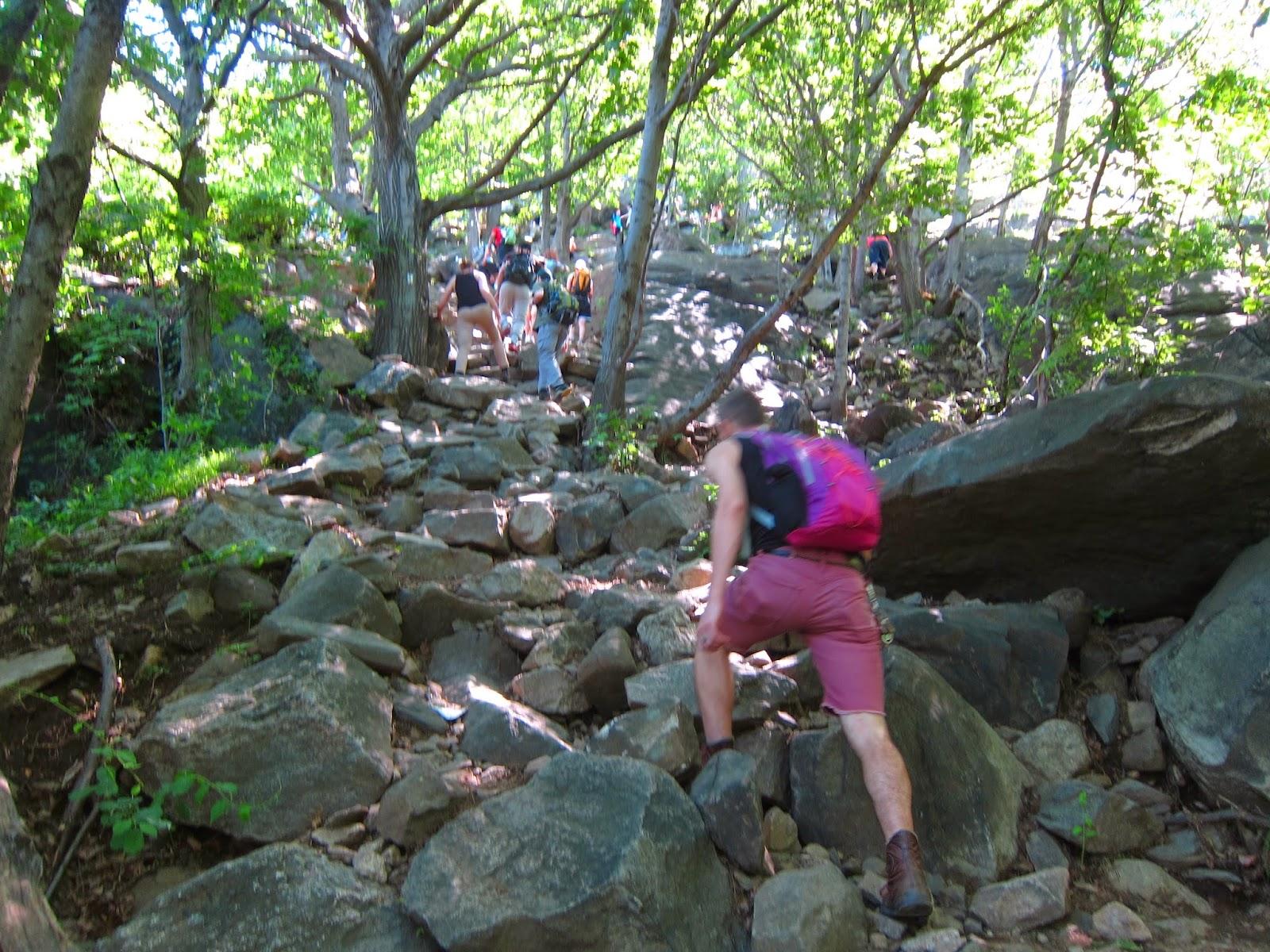 Dancin' down them dirty, dusty trails...: Breakneck Ridge Hikin'